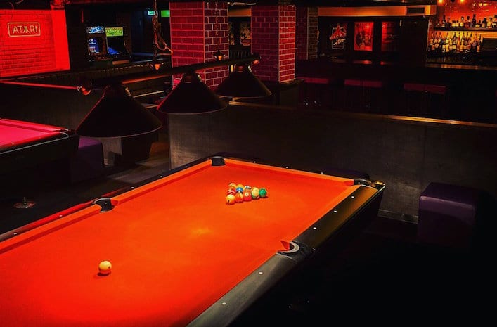 17-below-dogsndough_pool-table